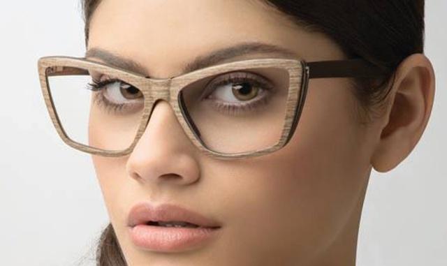 lunette feminine au regard personnel, Feb 31st monture bois et titane